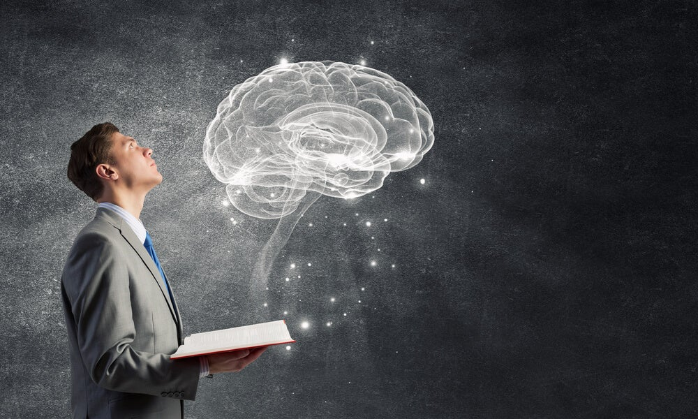 1hombre-estudiando-la-memoria